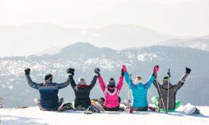 friends-mountain-top-beautiful-view-new-zealand-snow