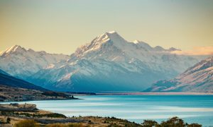 Road-to-Mt-Cook-the-highest-mountain-in-New-Zealand