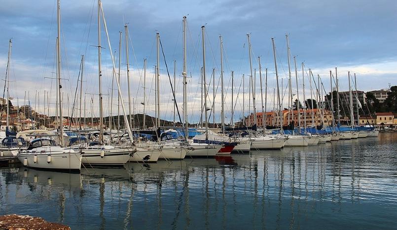 Croatia-port-sailing-ships-masts