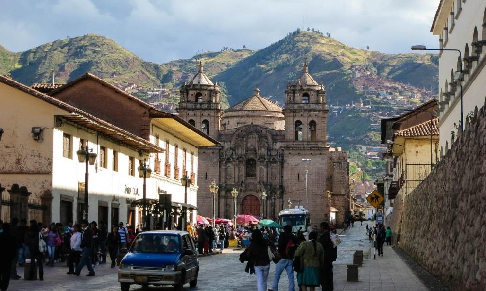 Cusco-Peru-Town-People