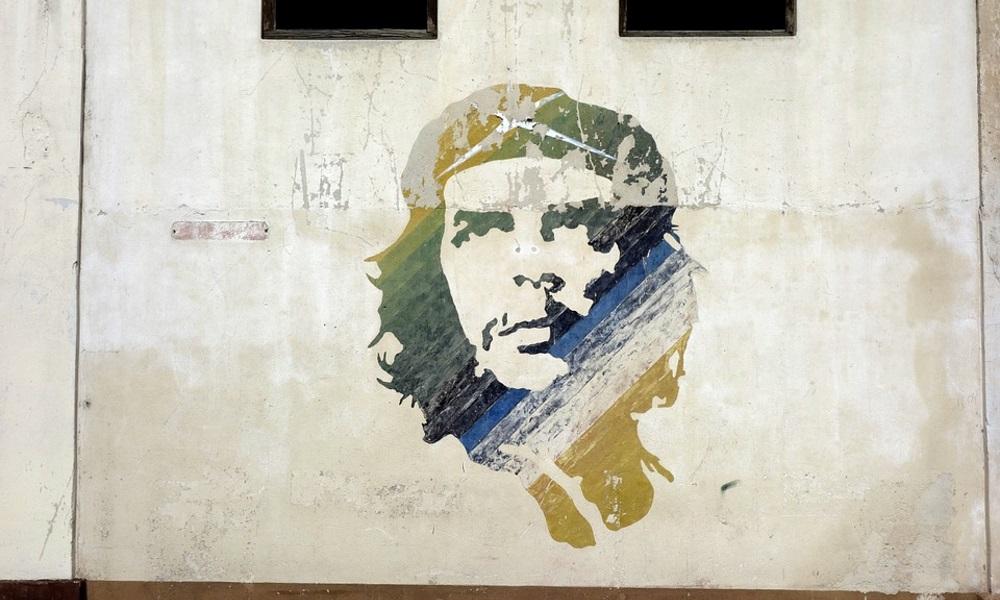 Che-Guevara-graffiti-Cuba