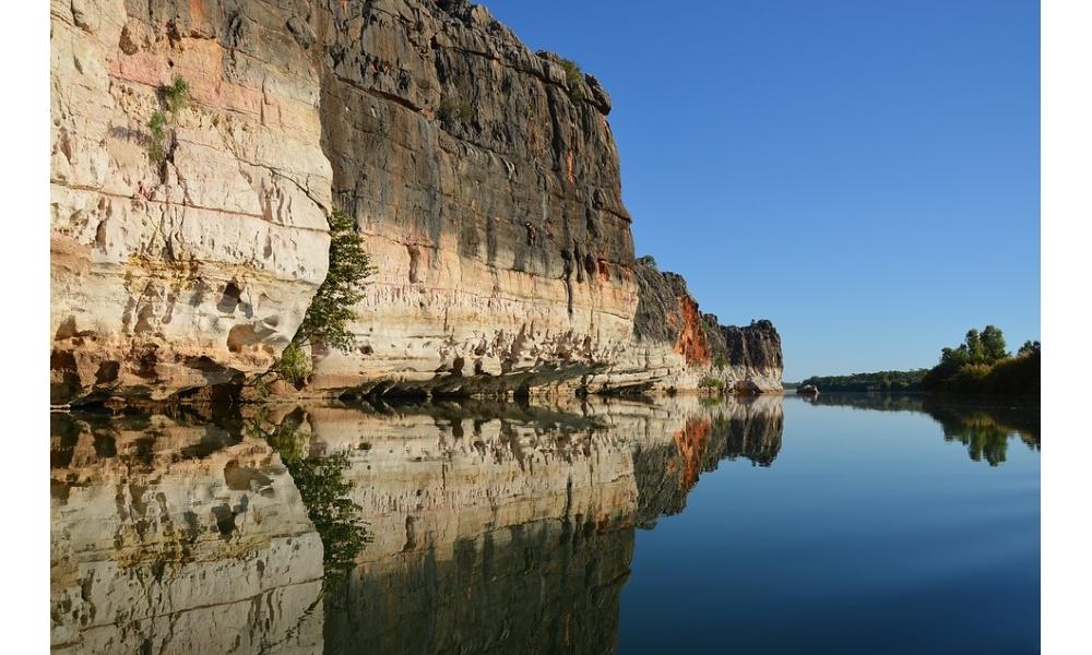 Kimberley-reflection-river-landcape-scenic-rock