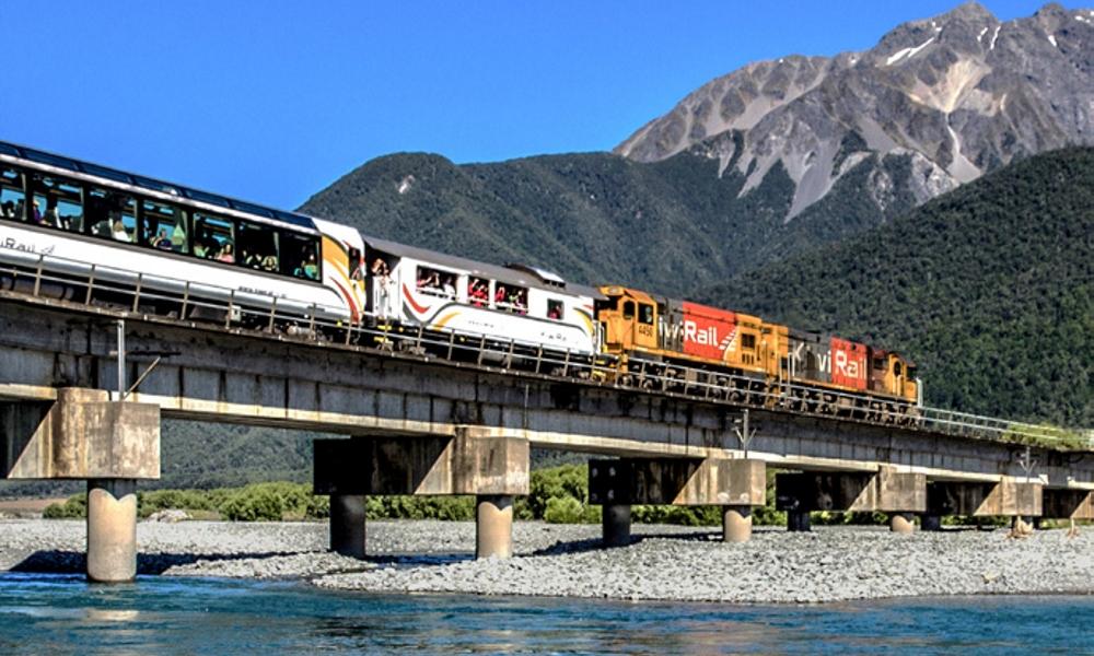 Tranz-Alpine-Scenic-Train-New-Zealand-rail-journey-adventure