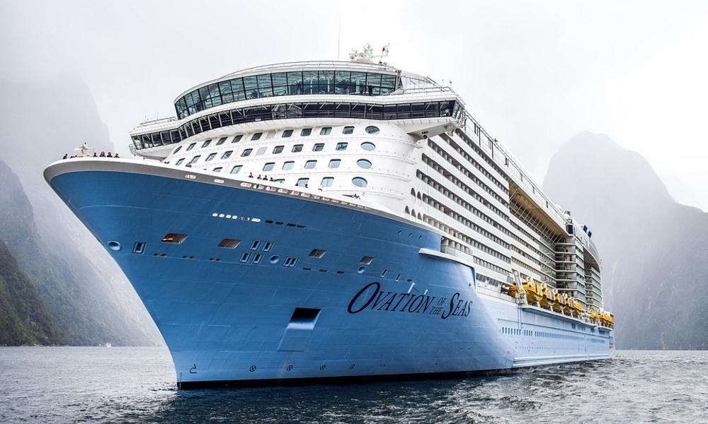 Ovation-of-the-Seas-cruising-New-Zealand