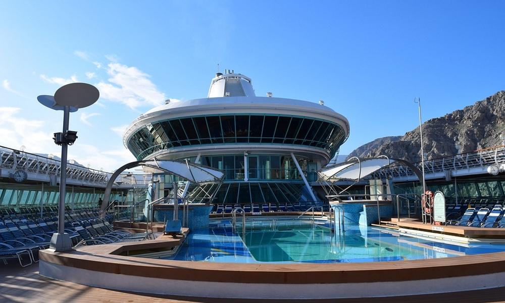 Royal-Caribbean-sky-ship-deck