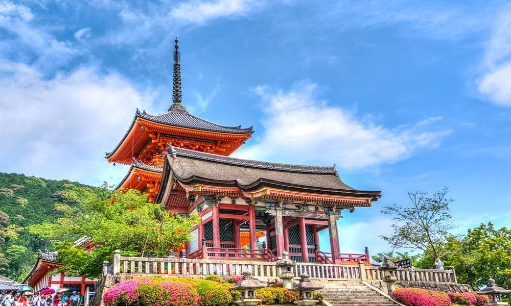 Senso-Ji-Kyoto-Japan-temple-landmark