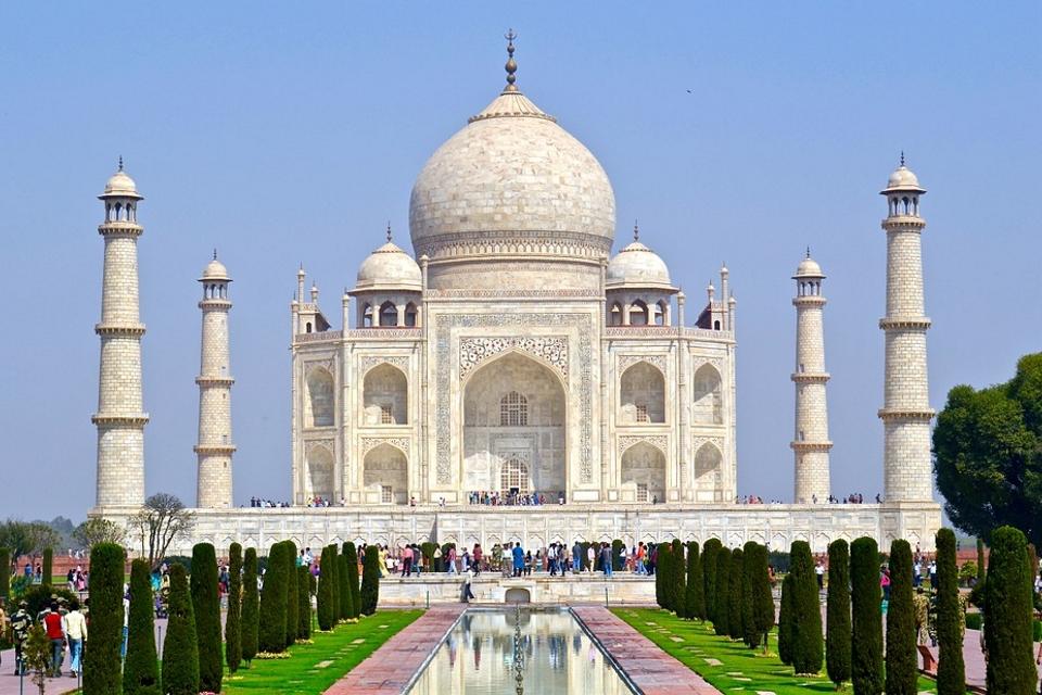 Taj-Mahal-Agra-India-Landmark