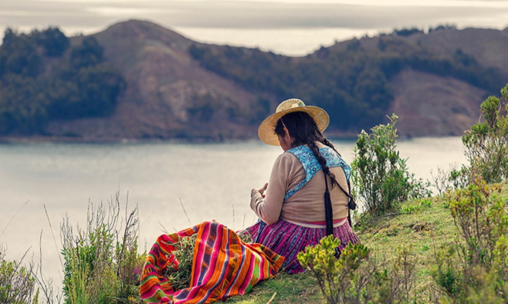 andes-woman-peru-bolivia-culture-dress