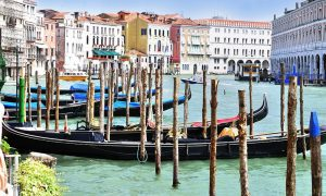 Venice-grand-canal-water-boats