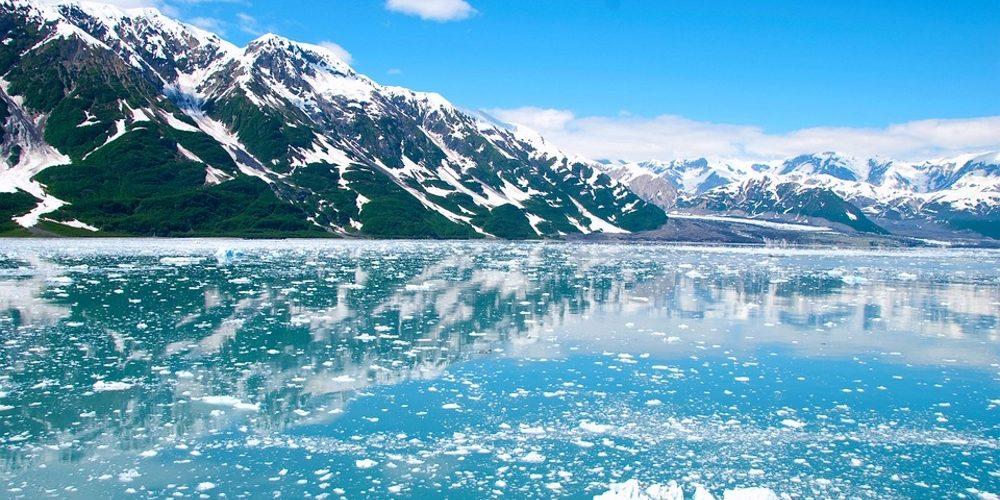 Alaska-cruise-glacier-ice-mountain