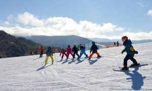 children-ski-lessons-snow