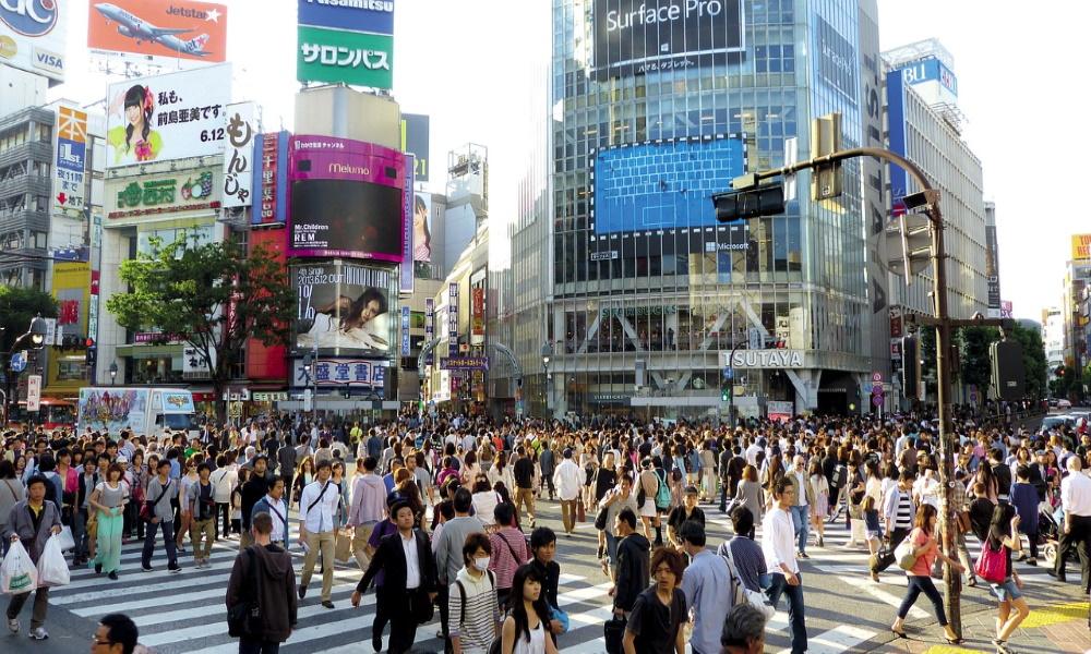 japan-tokyo-shibuya-building-crowd