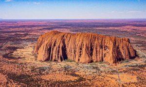 uluru-aerial-view-outback-australia-aptouring-private-jet-tours